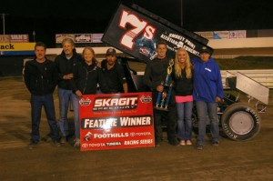 Eric Fisher wins 410 Main Event. - Image courtesy of Robert G. Hunter