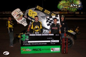 David Gravel broke into victory lane for the first time with the Lucas Oil ASCS National Tour at the Southern New Mexico Speedway in Buffalo Wild Wings No. 82. (ASCS / Don Iverson)