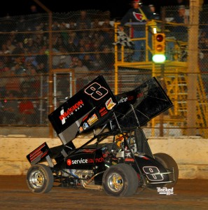 The checkered flag flies as Bob Ream, Jr. picked up his first Hose Advantage Store ASCS Southwest Region win this past Saturday at the Arizona Speedway. (ASCS / Patrick Shaw)