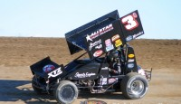 As James McFadden's 2014 North America tour winds down, the Australian pilot continues to impress onlookers, and that was the case last week, as McFadden won a 360ci race in Canada, ran third twice with the World of Outlaws, including a pair of KSE Hard Charger honors.