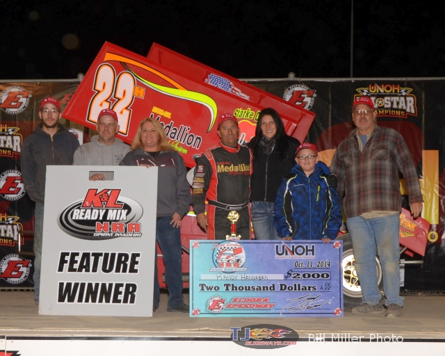 Randy Hannagan with his family and crew in victory lane. - Bill Miller Photo