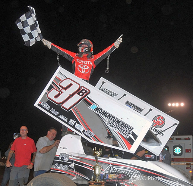 Christopher Bell banked $15,000 by winning Saturday night's 27th Annual COMP Cams Short Track Nationals presented by Hoosier Tires finale at Little Rock's I-30 Speedway. (Lonnie Wheatley)