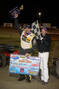 Dave Darland salutes the crowd following his victory on Friday at Eagle Raceway. (Image courtesy of USAC)