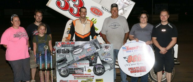 Gary Owens with crew and friends after winning his third straight Harold Leep Jr. Memorial event.  Mike Howard Photo