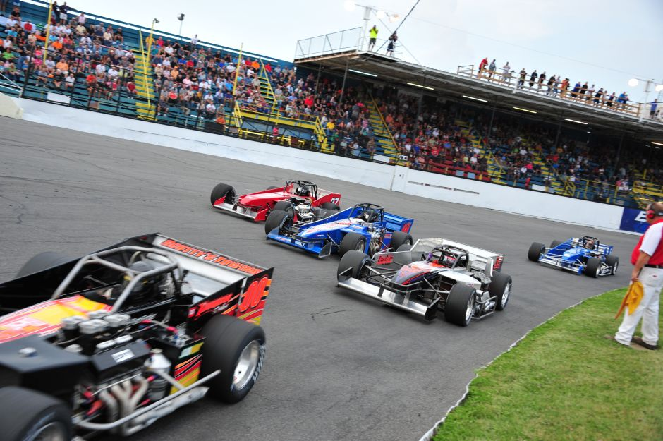 10 000 To Win Mr Supermodified In August At Oswego