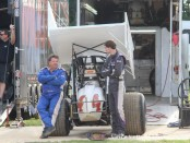 Danny Smith talking to Linden Jones. (Vince Vellella Photo)