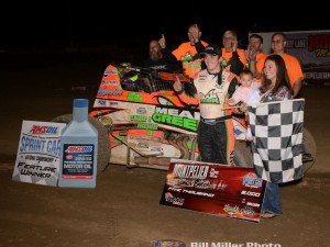Brady Bacon and the Hoffman Racing team in Victory Lane on Saturday night. (Bill Miller Photo)