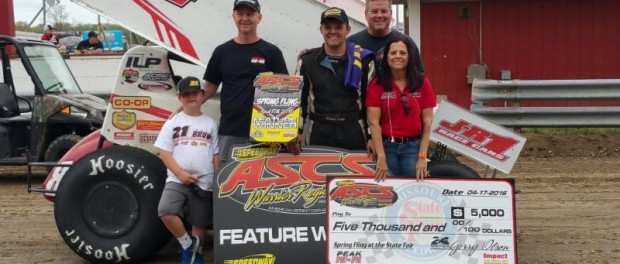 Brandon Hanks with his family and crew in victory lane at the Missouri State Fairgrounds. (Terry Ford Photo)