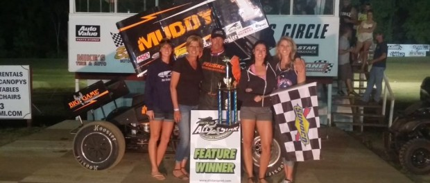 Dale Blaney with his team after winning the feature Saturday night at Butler Motor Speedway. (Image courtesy of the All Star Circuit of Champions)