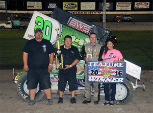 Luke Cranston with his family and crew in victory lane following his URSS victory at Dodge City Raceway Park. (Lonnie Wheatley Photo)