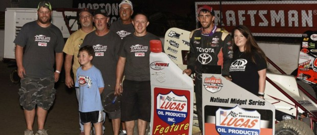 Zach Daum with his family and crew in victory lane following his POWRi National Midget Car Series victory at Federated Auto Parts Raceway at I-55. (Mark Funderburk Photo)