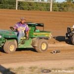 Ryan Flinn picks up Tyler Fitpatrick's driveline. (T.J. Buffenbarger Photo)