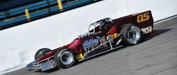 Defending Budweiser International Classic Champion Jeff Abold is among those eager to knock off defending Oswego Speedway track champion Michael Barnes in 2017.  (Bill Taylor Photo)