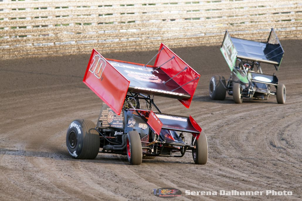 Kyle Reinhart (10V) and Kevin Thomas Jr (17) (Serena Dalhamer photo)