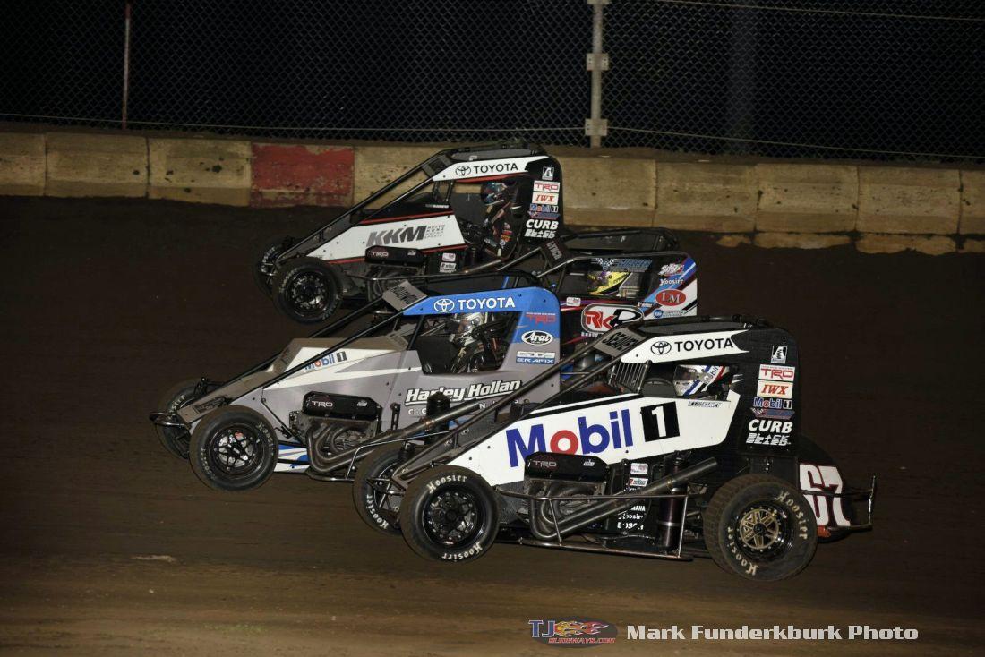 Photo Gallery: POWRi Midgets And 305 Sprint Cars At