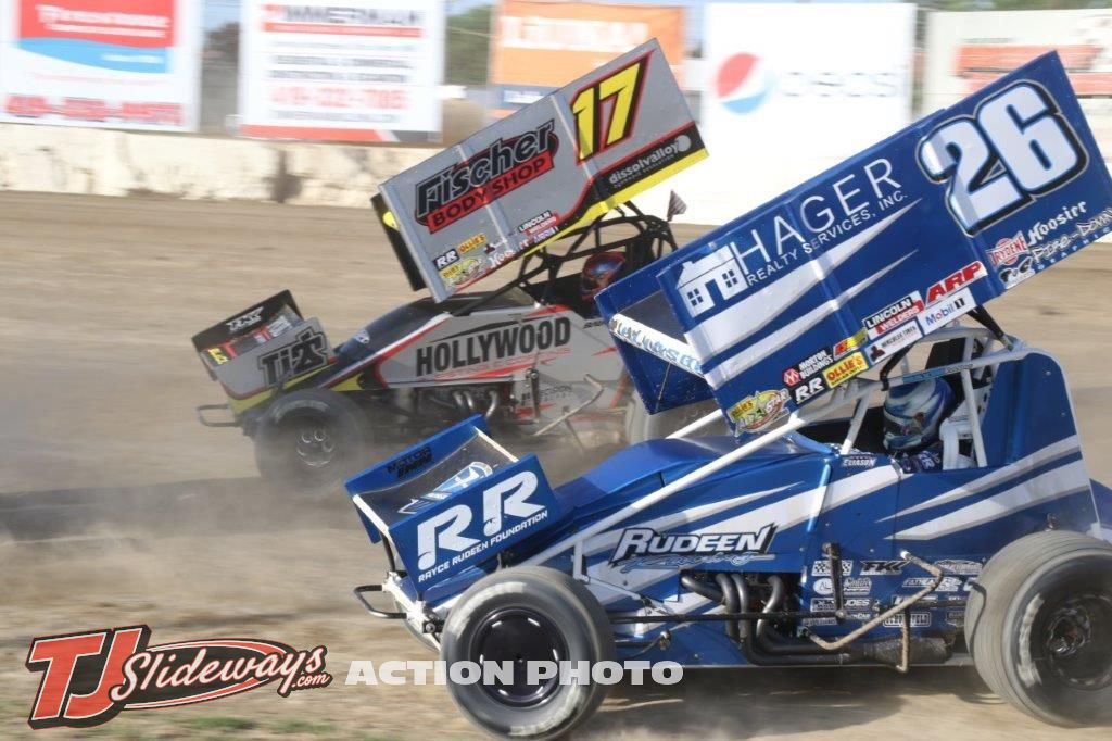 4055- Cory Eliason (26) racing Josh Baughman (17)